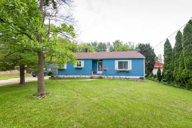 2411 Bliesner Street, Lansing, MI 48911 (MLS #21097609) :: Deb Stevenson Group - Greenridge Realty