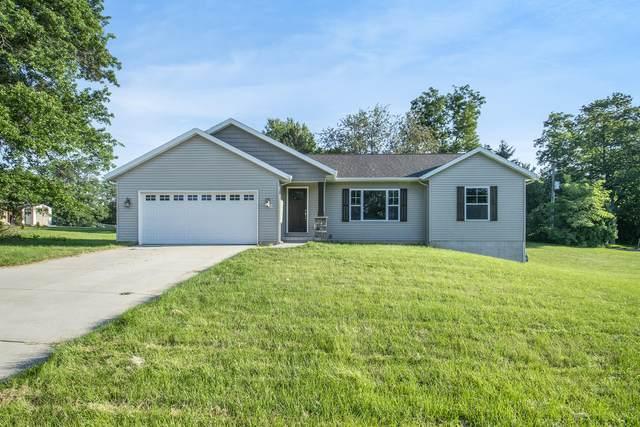 2747 4 Mile Road NW, Grand Rapids, MI 49544 (MLS #21097793) :: Deb Stevenson Group - Greenridge Realty