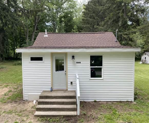 12610 Peach Tree Ln Lane, Sawyer, MI 49125 (MLS #21097805) :: Deb Stevenson Group - Greenridge Realty