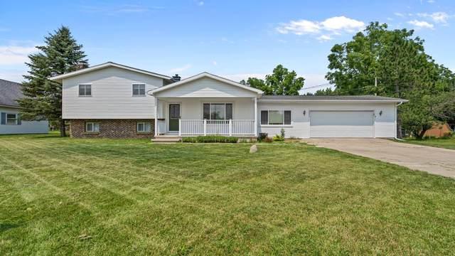20830 Emerald Lane, Big Rapids, MI 49307 (MLS #21097849) :: Deb Stevenson Group - Greenridge Realty