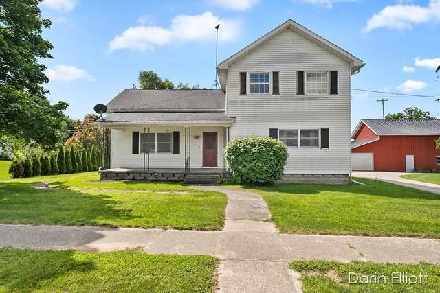 415 W Main Street, Carson City, MI 48811 (MLS #21097886) :: Deb Stevenson Group - Greenridge Realty