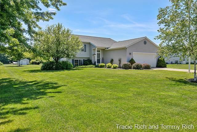 4944 Dio Drive NE, Cedar Springs, MI 49319 (MLS #21098010) :: Deb Stevenson Group - Greenridge Realty