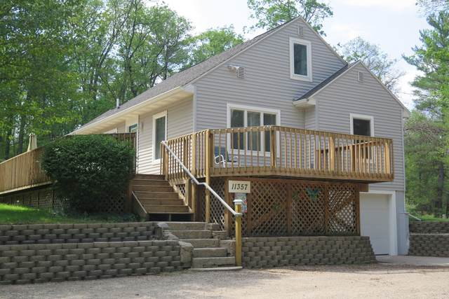 11357 Oak Avenue, Holton, MI 49425 (MLS #21098077) :: BlueWest Properties