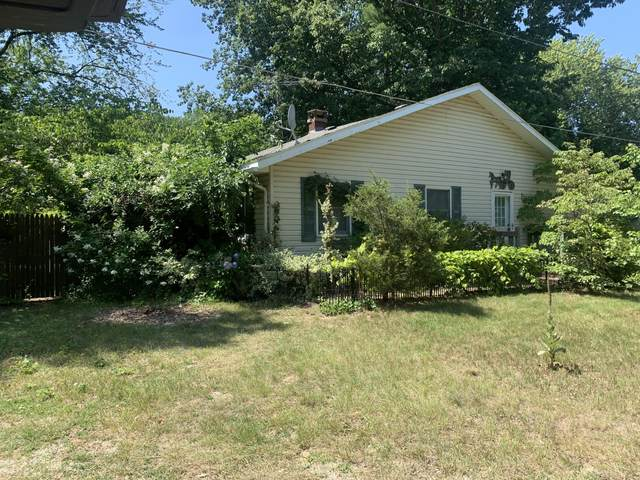 6026 Superior Street, Coloma, MI 49038 (MLS #21098095) :: Sold by Stevo Team   @Home Realty