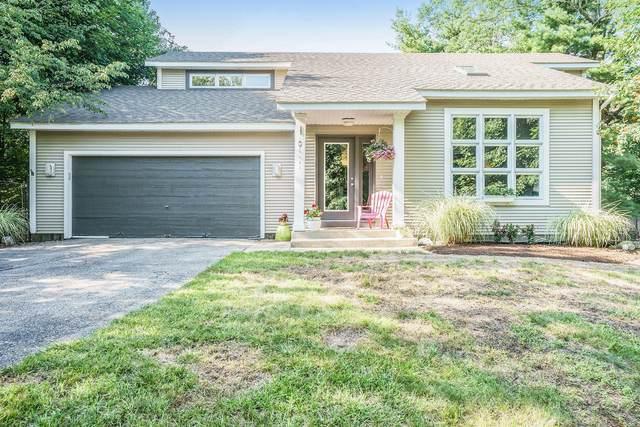 1889 W Lakewood Boulevard, Holland, MI 49424 (MLS #21098176) :: BlueWest Properties