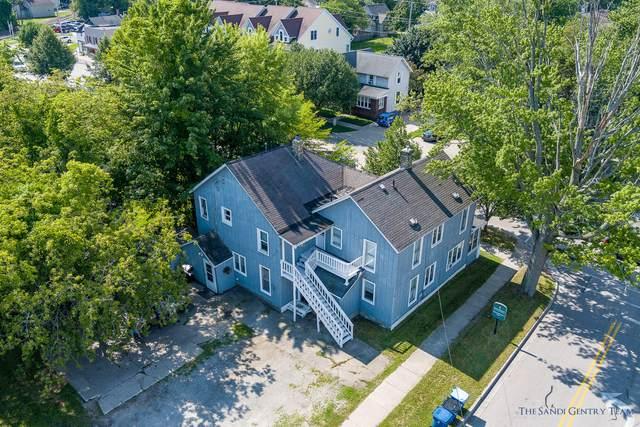 301 Jackson Avenue, Grand Haven, MI 49417 (MLS #21098202) :: BlueWest Properties