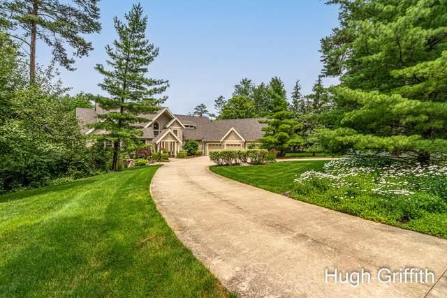 2041 Tall Pines Drive SE, Grand Rapids, MI 49546 (MLS #21098206) :: BlueWest Properties