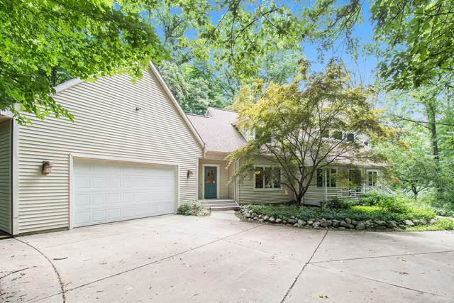 8086 Foxboro, Augusta, MI 49012 (MLS #21098234) :: Sold by Stevo Team | @Home Realty