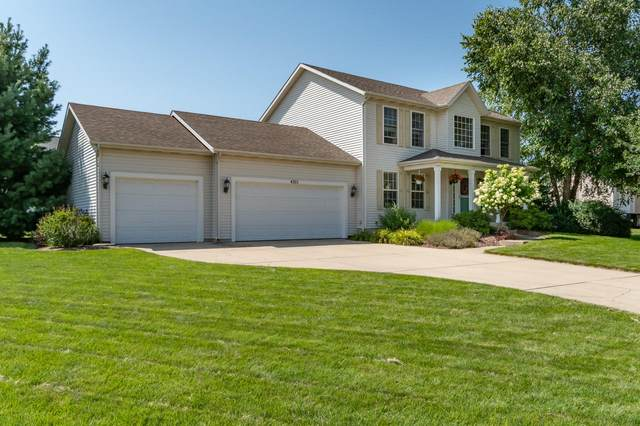 4305 S Royal Curve, St. Joseph, MI 49085 (MLS #21098262) :: BlueWest Properties