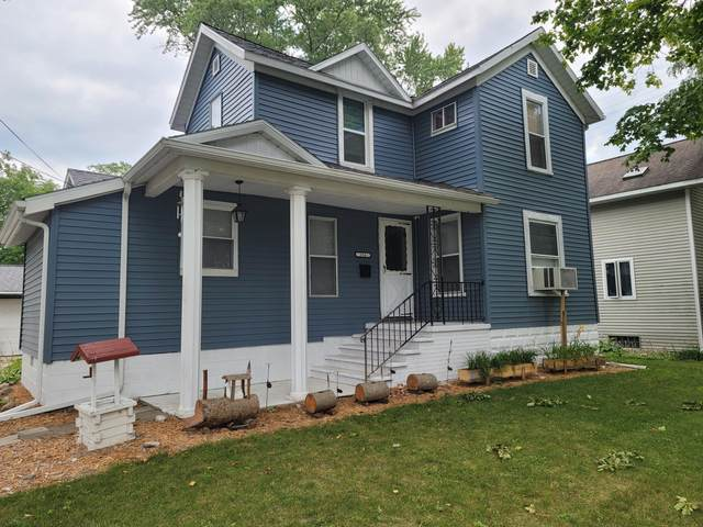 316 S Division Avenue, Fremont, MI 49412 (MLS #21098330) :: Sold by Stevo Team | @Home Realty