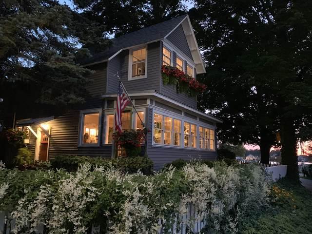 1200 Beach Drive, Holland, MI 49423 (MLS #21098333) :: BlueWest Properties