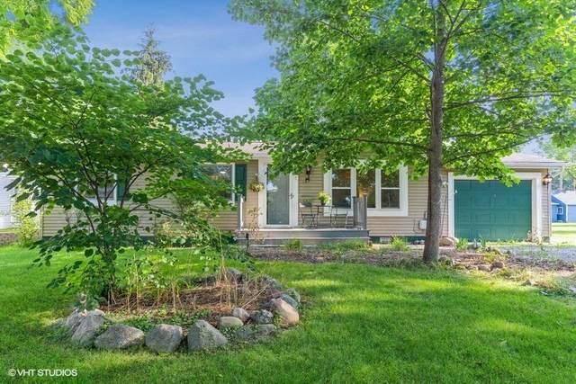 7 Walnut Street, Three Oaks, MI 49128 (MLS #21098379) :: BlueWest Properties
