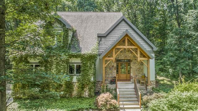 9450 Trinity Oaks Drive SE, Alto, MI 49302 (MLS #21098464) :: BlueWest Properties