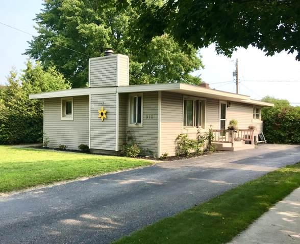 910 Olmstead Street, Ludington, MI 49431 (MLS #21098500) :: BlueWest Properties