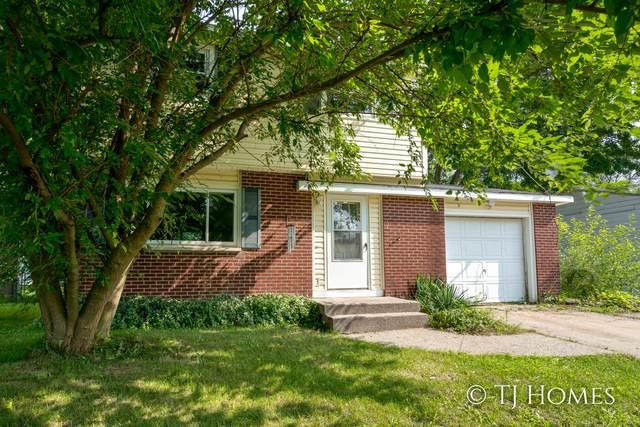 824 Greenwood Street, Middleville, MI 49333 (MLS #21098744) :: BlueWest Properties