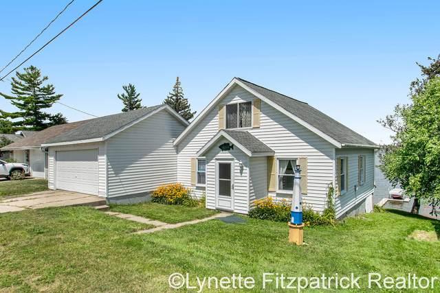 10660 Lake Street, Chippewa Lake, MI 49320 (MLS #21098782) :: BlueWest Properties