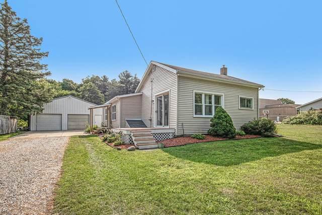 68 S Pleasant, Saranac, MI 48881 (MLS #21098803) :: BlueWest Properties