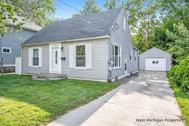 1253 Emerald Avenue NE, Grand Rapids, MI 49505 (MLS #21098896) :: BlueWest Properties