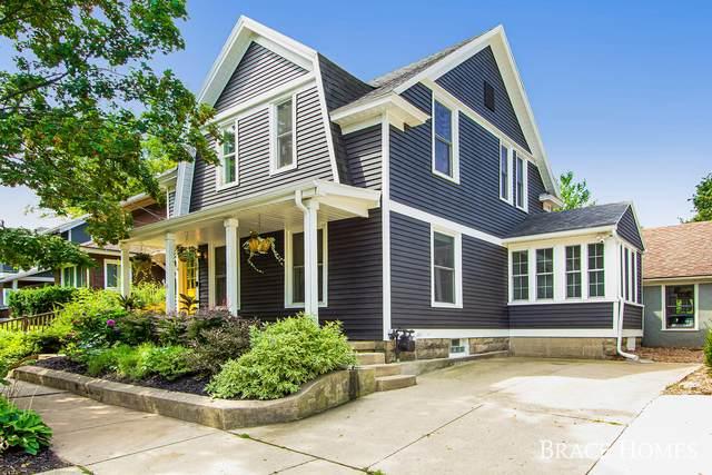293 Rosewood Avenue SE, East Grand Rapids, MI 49506 (MLS #21100584) :: Deb Stevenson Group - Greenridge Realty