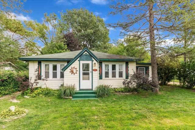 6091 Ontario Street, Coloma, MI 49038 (MLS #21101347) :: Sold by Stevo Team   @Home Realty