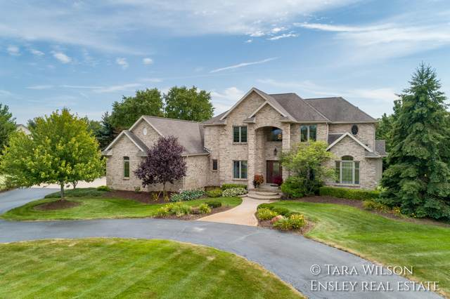 2752 Schindler Drive NW, Grand Rapids, MI 49544 (MLS #21102162) :: Sold by Stevo Team   @Home Realty