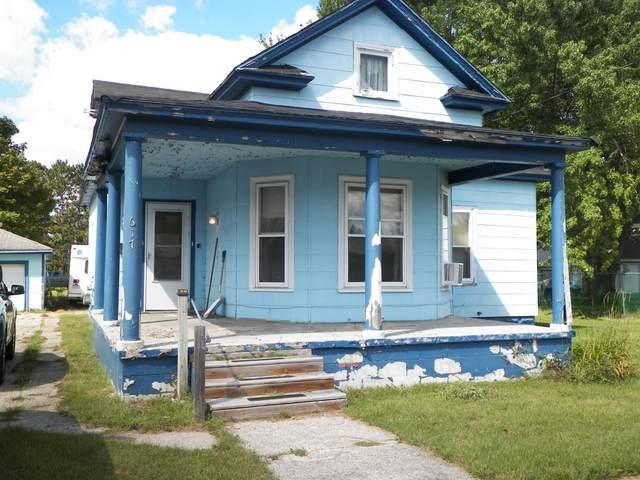617 Bond Street Street, Cadillac, MI 49601 (MLS #21103434) :: The Hatfield Group