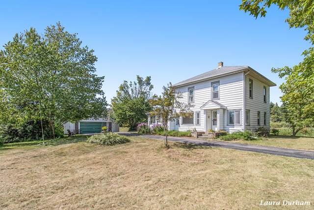 2532 58th Street, Fennville, MI 49408 (MLS #21103971) :: Sold by Stevo Team | @Home Realty