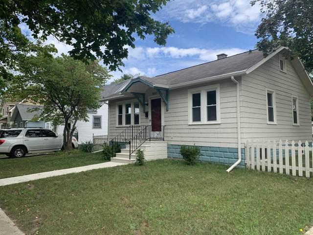 997 Monroe Street, Benton Harbor, MI 49022 (MLS #21104125) :: Deb Stevenson Group - Greenridge Realty