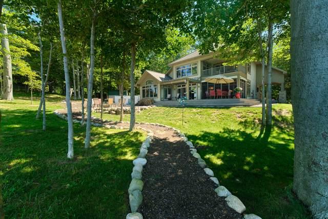 4582 W Fox Farm Road, Manistee, MI 49660 (MLS #21104206) :: Sold by Stevo Team | @Home Realty