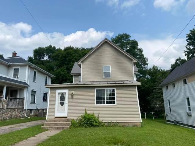 59 Oak Street, Hillsdale, MI 49242 (MLS #21104261) :: Deb Stevenson Group - Greenridge Realty