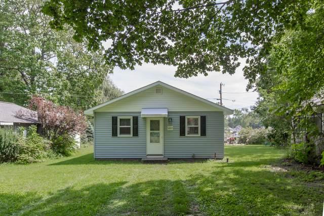 52571 Lake Shore Drive, Dowagiac, MI 49047 (MLS #21104299) :: The Hatfield Group