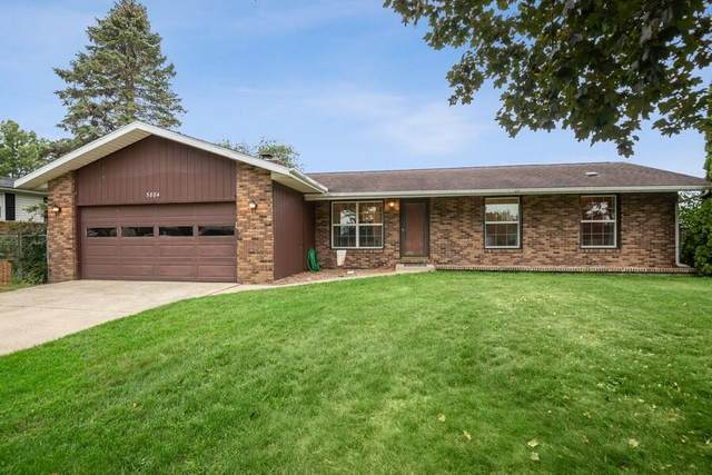 5884 James Drive, Stevensville, MI 49127 (MLS #21104454) :: BlueWest Properties