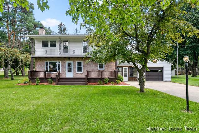 929 E Fairplains Street, Greenville, MI 48838 (MLS #21104568) :: Deb Stevenson Group - Greenridge Realty