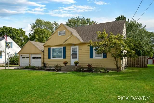 3550 Oak Street, Hudsonville, MI 49426 (MLS #21104909) :: CENTURY 21 C. Howard