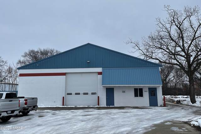 501 W Hovey Avenue, Muskegon Heights, MI 49444 (MLS #21105008) :: The Hatfield Group