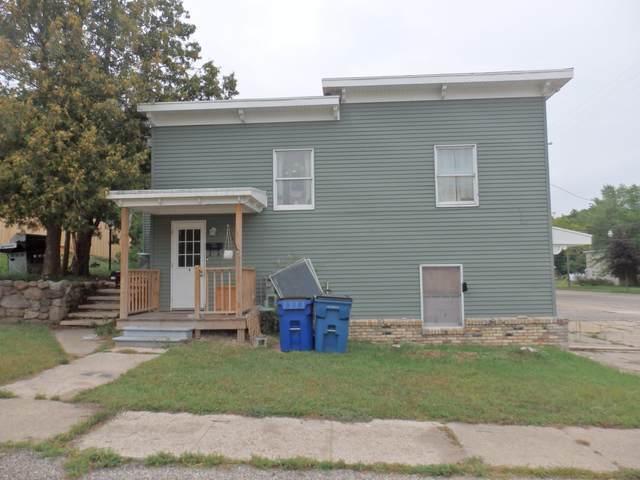 156 Washington Street, Manistee, MI 49660 (MLS #21105354) :: Ginger Baxter Group