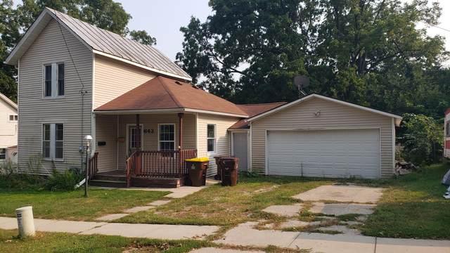 643 Lafayette Street, Ionia, MI 48846 (MLS #21105413) :: Sold by Stevo Team   @Home Realty