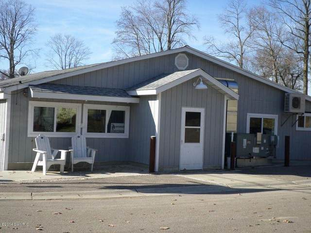 8690 Lake Avenue, Watervliet, MI 49098 (MLS #21105713) :: Deb Stevenson Group - Greenridge Realty