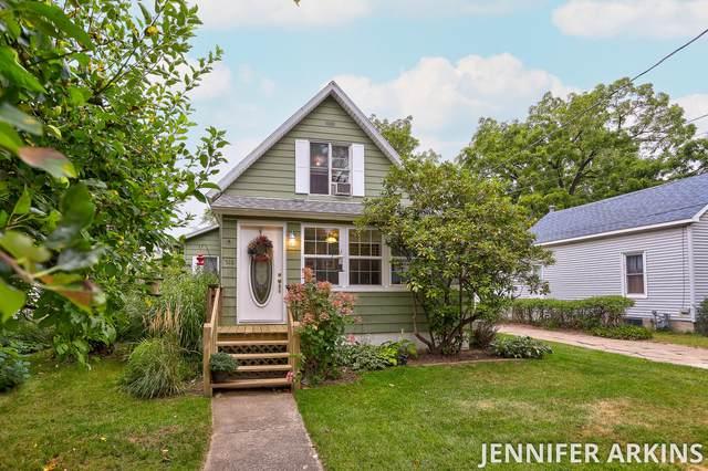 516 Lagrange Street, South Haven, MI 49090 (MLS #21105764) :: BlueWest Properties