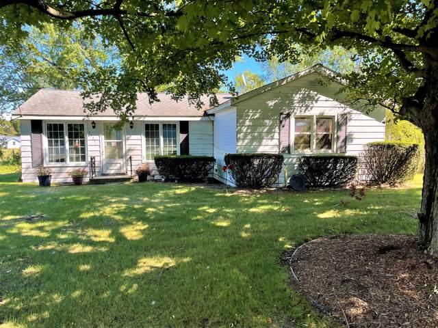 1731 S Bainbridge Center Road, Benton Harbor, MI 49022 (MLS #21106121) :: Sold by Stevo Team | @Home Realty