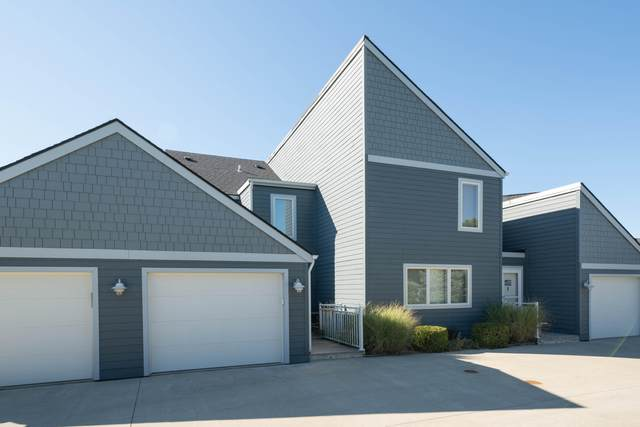 215 North Shore # 3 Drive, South Haven, MI 49090 (MLS #21106407) :: BlueWest Properties