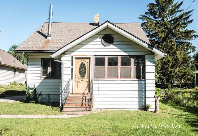1711 Fulton Street W, Grand Rapids, MI 49504 (MLS #21106542) :: CENTURY 21 C. Howard