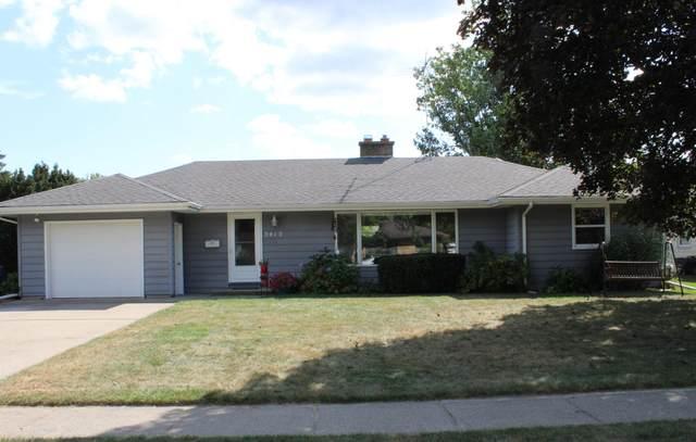 3413 Grace Road, Kalamazoo, MI 49006 (MLS #21106558) :: CENTURY 21 C. Howard