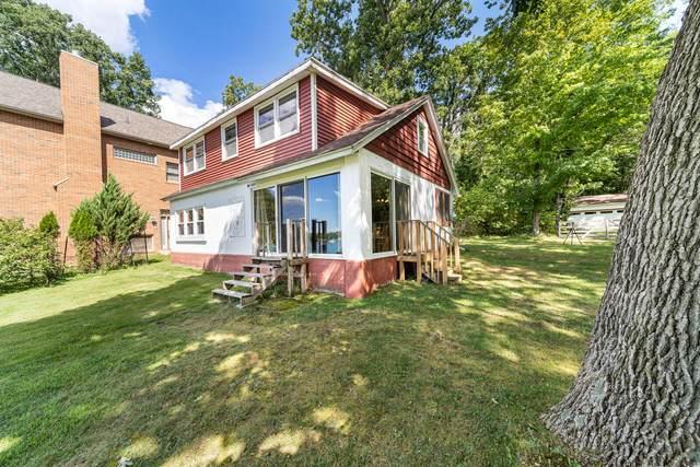 10426 Walnut Drive, Three Rivers, MI 49093 (MLS #21106714) :: Sold by Stevo Team | @Home Realty