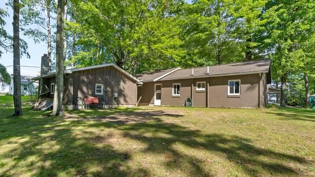 11240 Oak St, Evart, MI 49631 (MLS #21106733) :: Sold by Stevo Team | @Home Realty