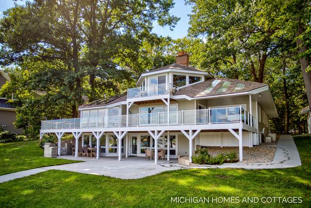 145 Crestwood Drive, Holland, MI 49424 (MLS #21106844) :: JH Realty Partners