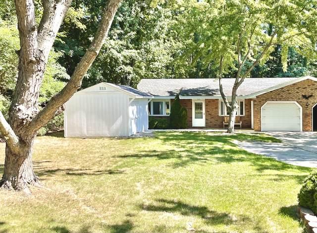 3925 Reinhardt Drive, Stevensville, MI 49127 (MLS #21106859) :: BlueWest Properties
