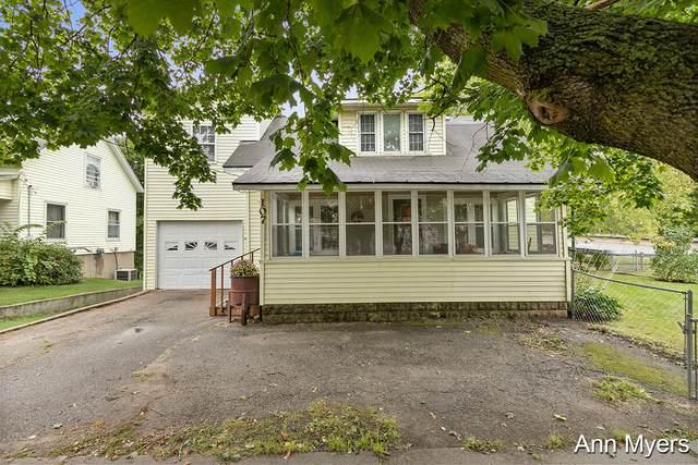 107 S Main Street, Rockford, MI 49341 (MLS #21107124) :: Sold by Stevo Team   @Home Realty