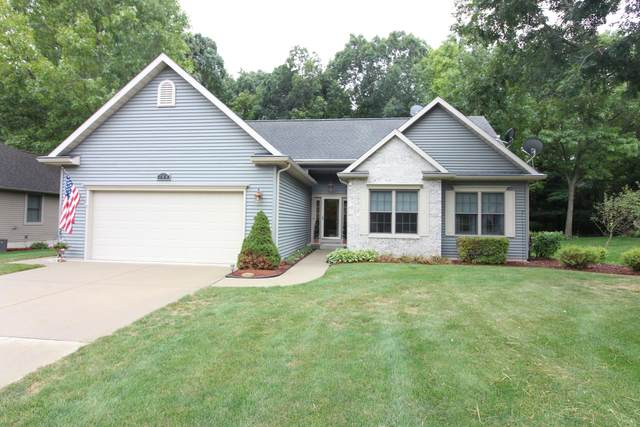 384 Arbor Ridge, Benton Harbor, MI 49022 (MLS #21107135) :: Sold by Stevo Team | @Home Realty