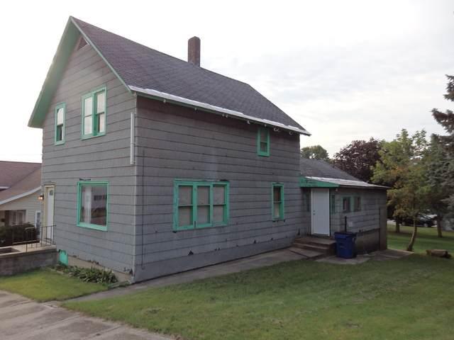 219 Seventh Street, Manistee, MI 49660 (MLS #21107293) :: Deb Stevenson Group - Greenridge Realty